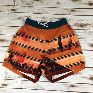 🆕🔥Billabong Men Beach Shorts Orange